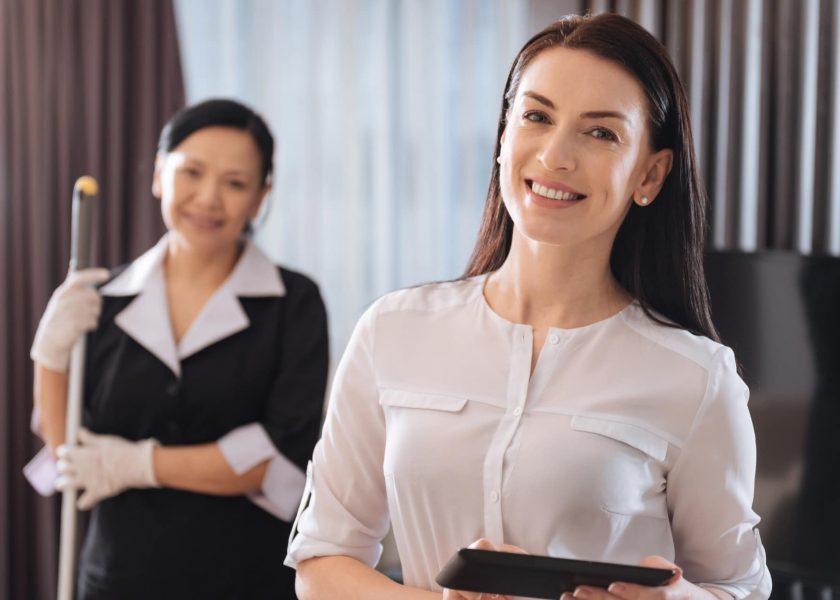Hausdamenservice - Hausdamenservice und eines Housekeeping Managers fokusieren sich auf die Führung sowie die Kontrolle - Hausdamenservice - Angebot anfragen!